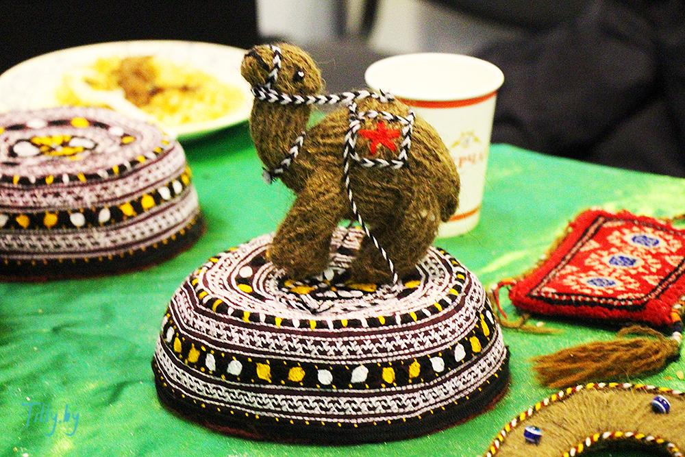 Сувенир верблюда от Туркменистана