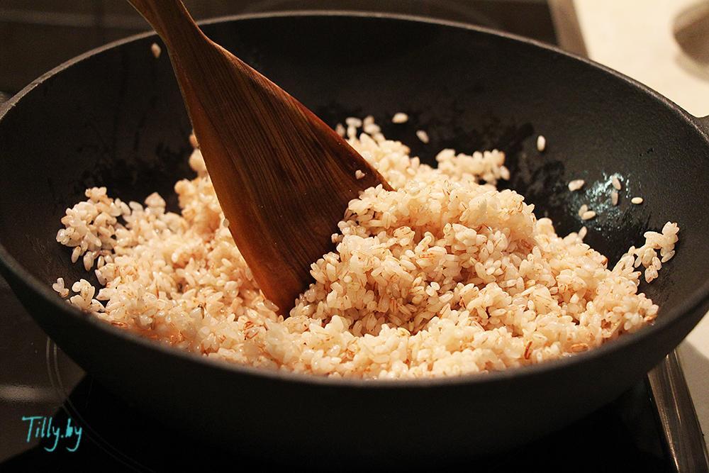 Обжаренный рис для ферганского плова