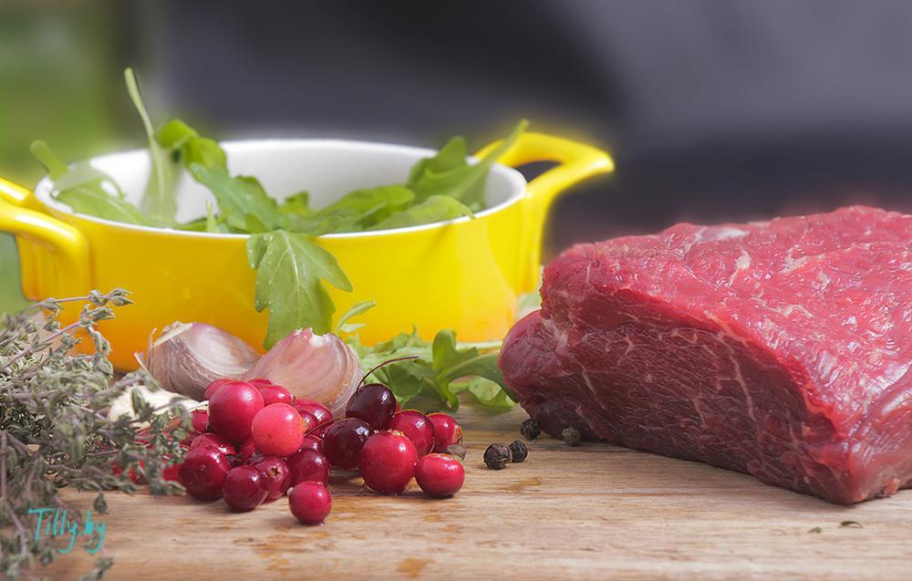 Ингредиенты для стейка с клюквенным соусом