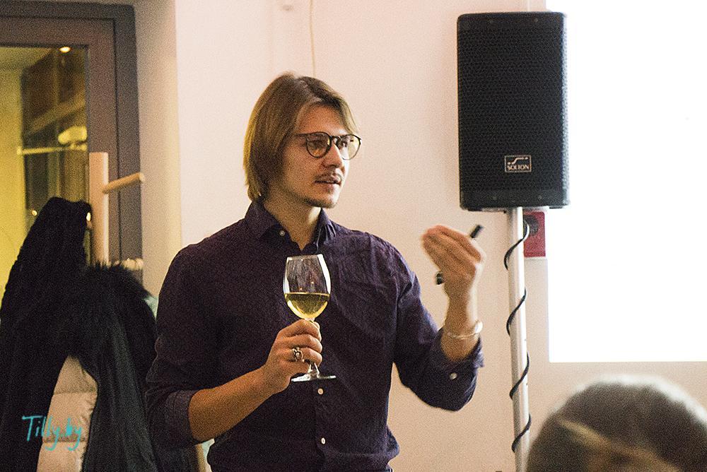 Презентация вина из одуванчиков