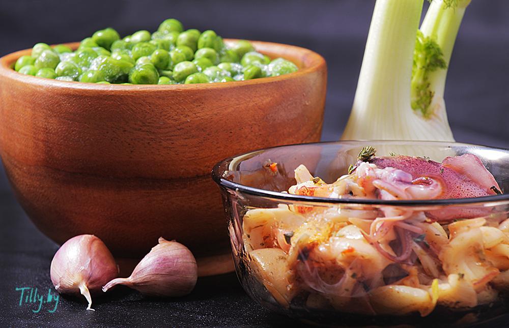 Ингредиенты для крем-супа из горошка с кальмарами