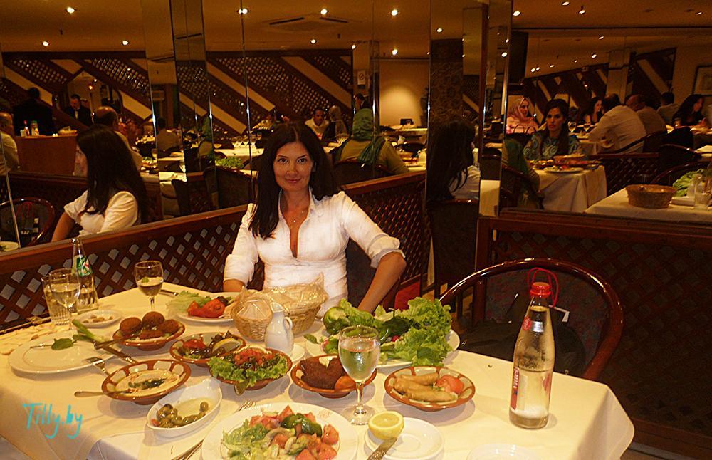 Наталья Миракле в Сирийском ресторане